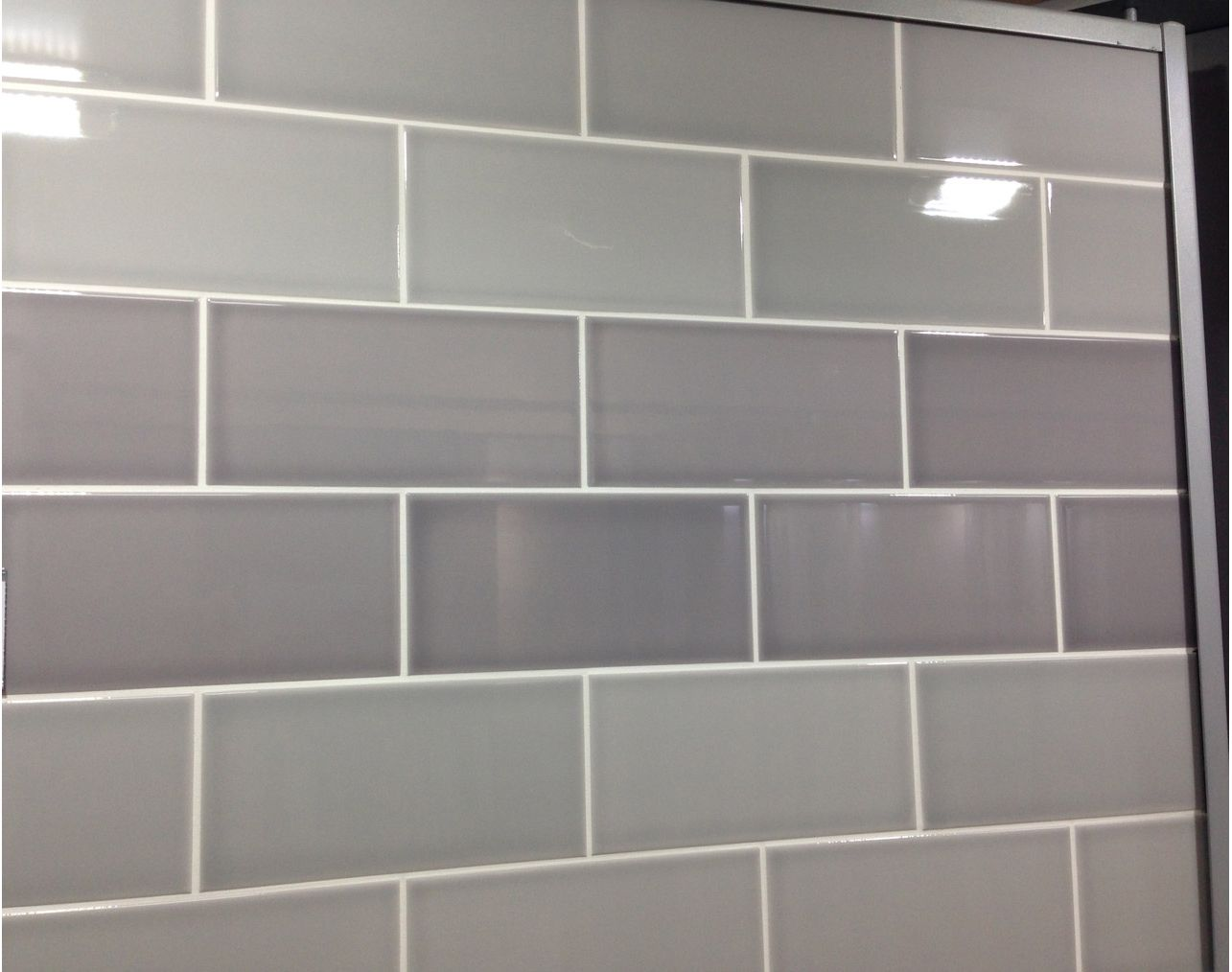 Gloss Silver Metro Glazed Ceramic Wall Tile Suitable For